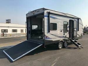 Benefits of Purchasing a Toy Hauler 2 - Nohr's RV
